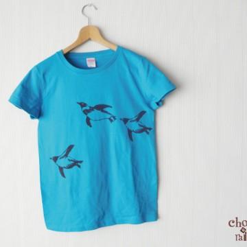 泳ぐペンギンTシャツ ターコイズブルー