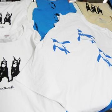 夏らしく 泳いでるペンギンTシャツ白バージョン